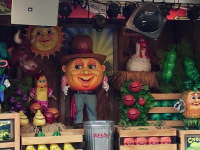 Singing, dancing mechanical veggies. Wow!
