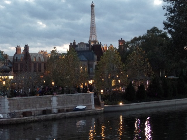 This is not the Eiffel Tower and that is not the Seine