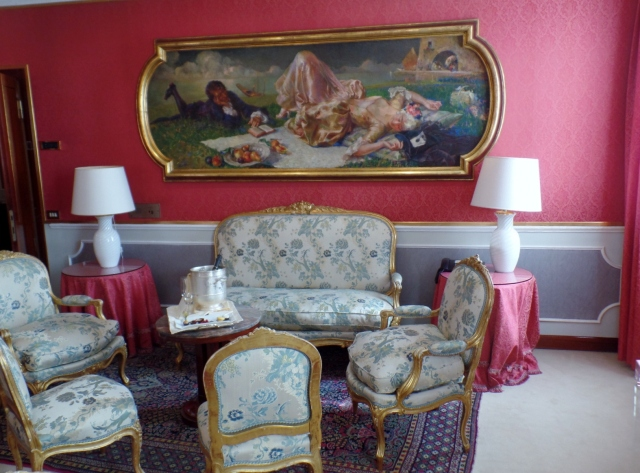 Hotel Baglioni sitting room