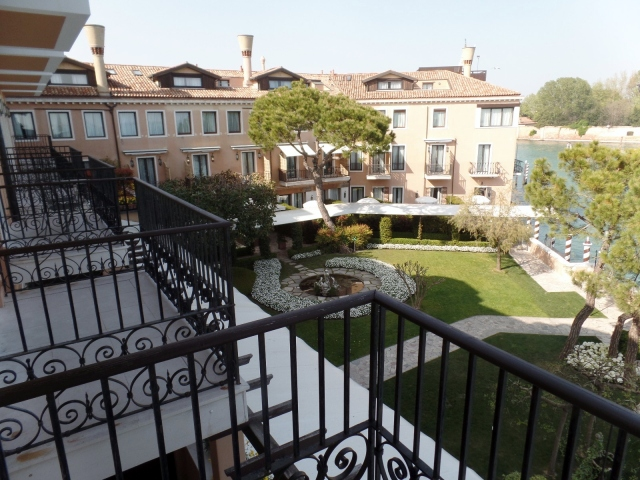 Hotel Cipriani grounds