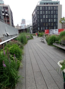 High Line path 2