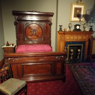 Ballantine House bedroom