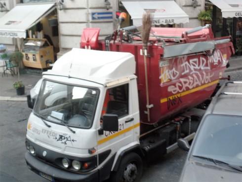 Roman garbage truck
