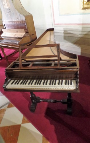 piano at Gallery Accademia