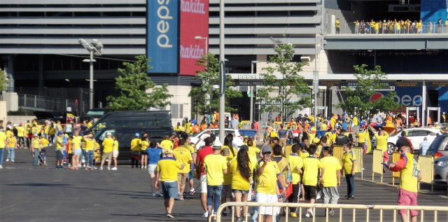 Ecuador fans heading into MetLife Stadium