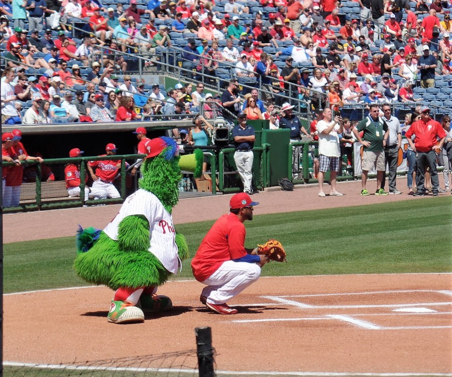 Phillie Phanatic at Spectrum Field