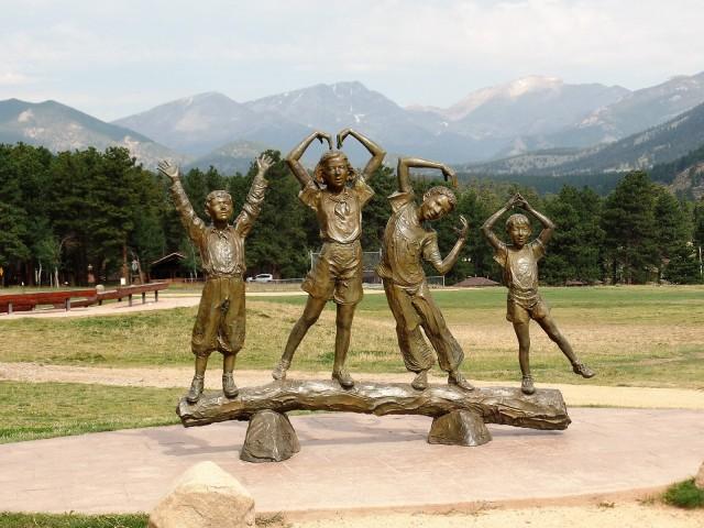 Estes Park YMCA statue