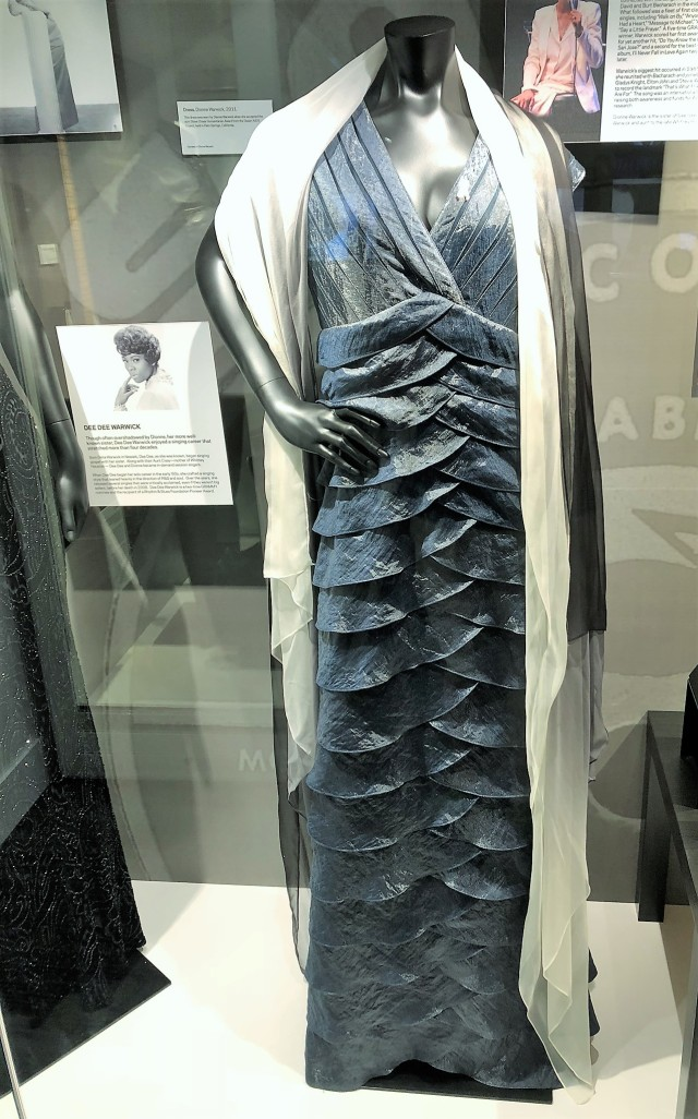 Dionne Warwick's dress