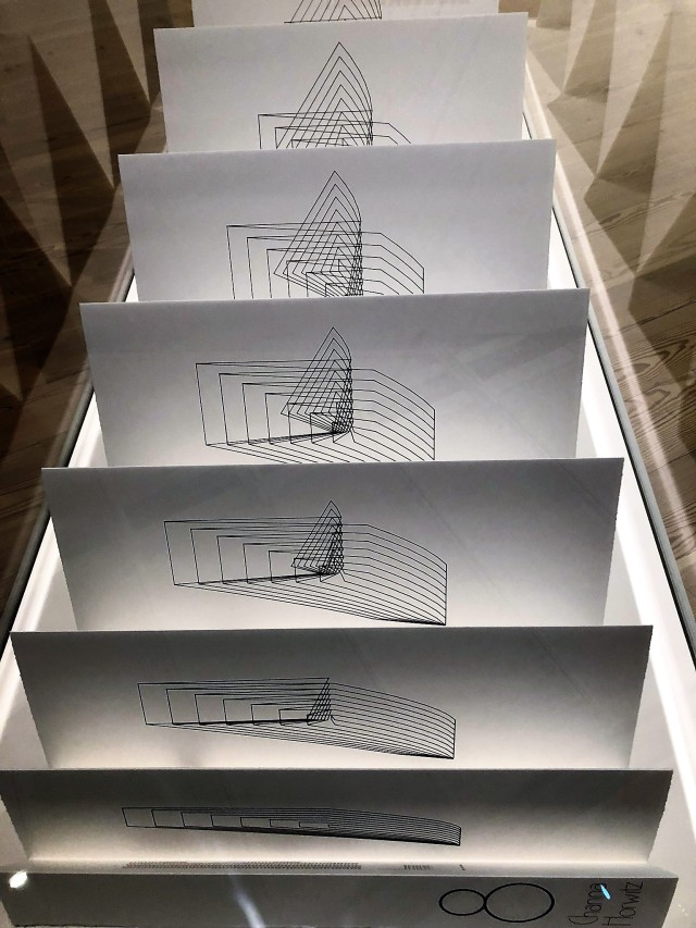 Channa Horwitz, accordion-fold book