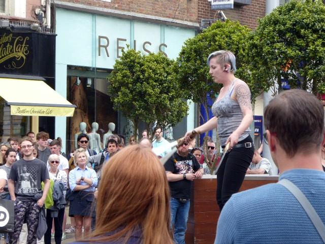 Dublin street juggler