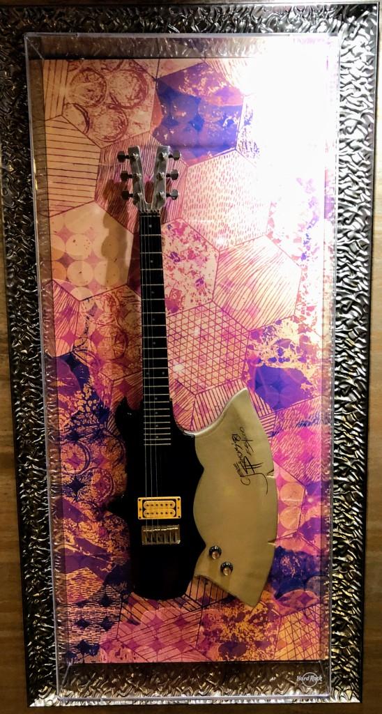 Kiss guitar