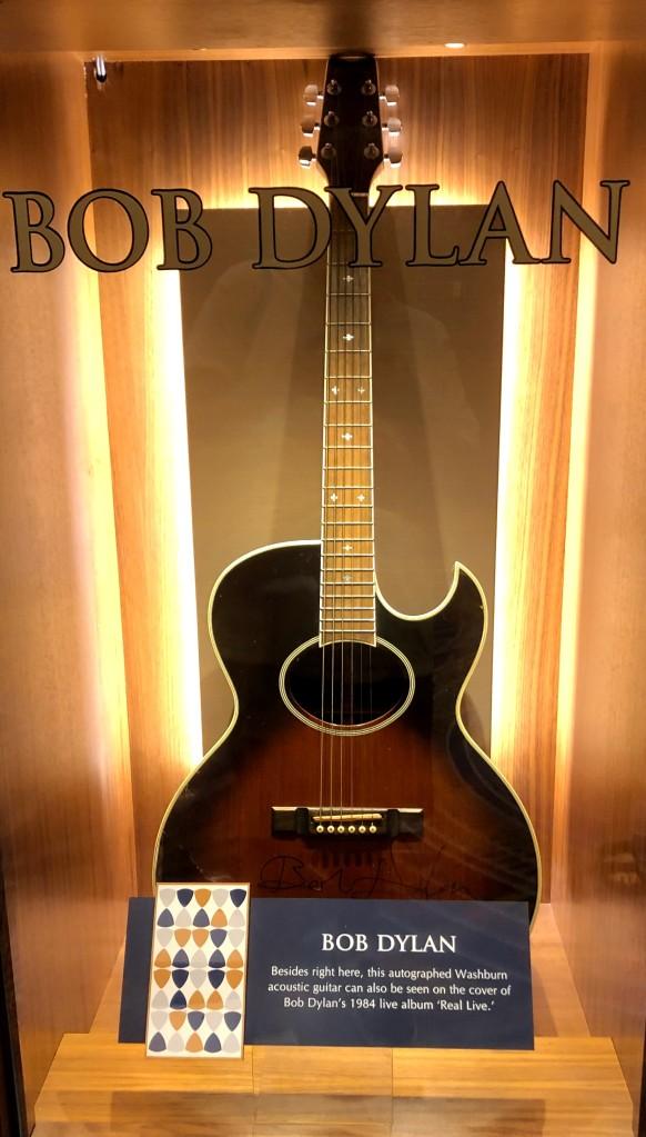 Dylan guitar
