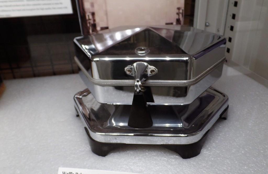 Edison waffle iron
