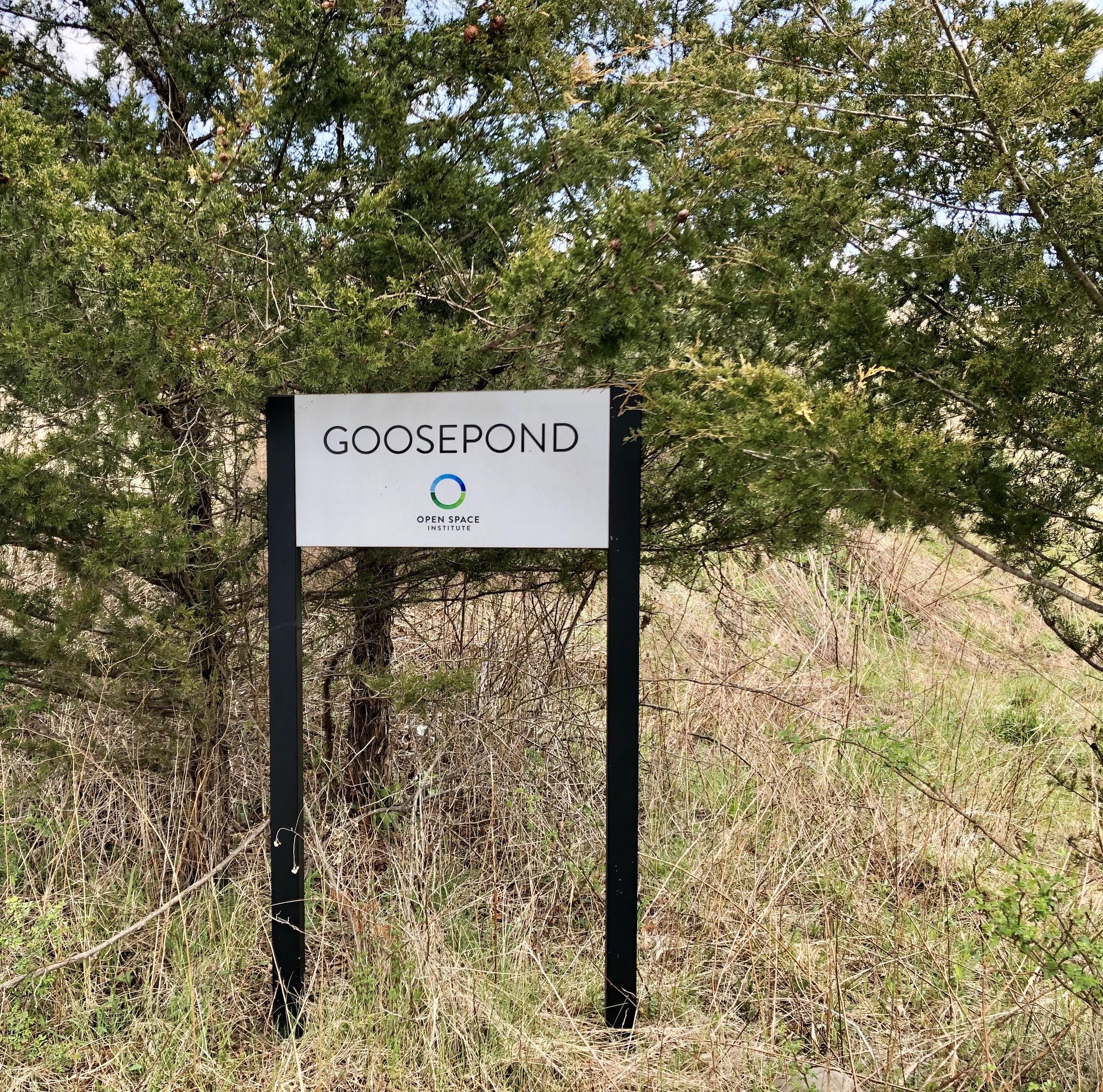Goosepond sign at parking area