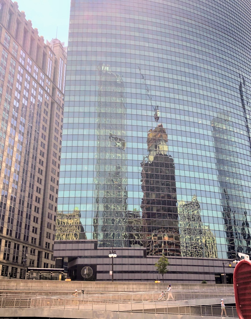 Chicago River tour